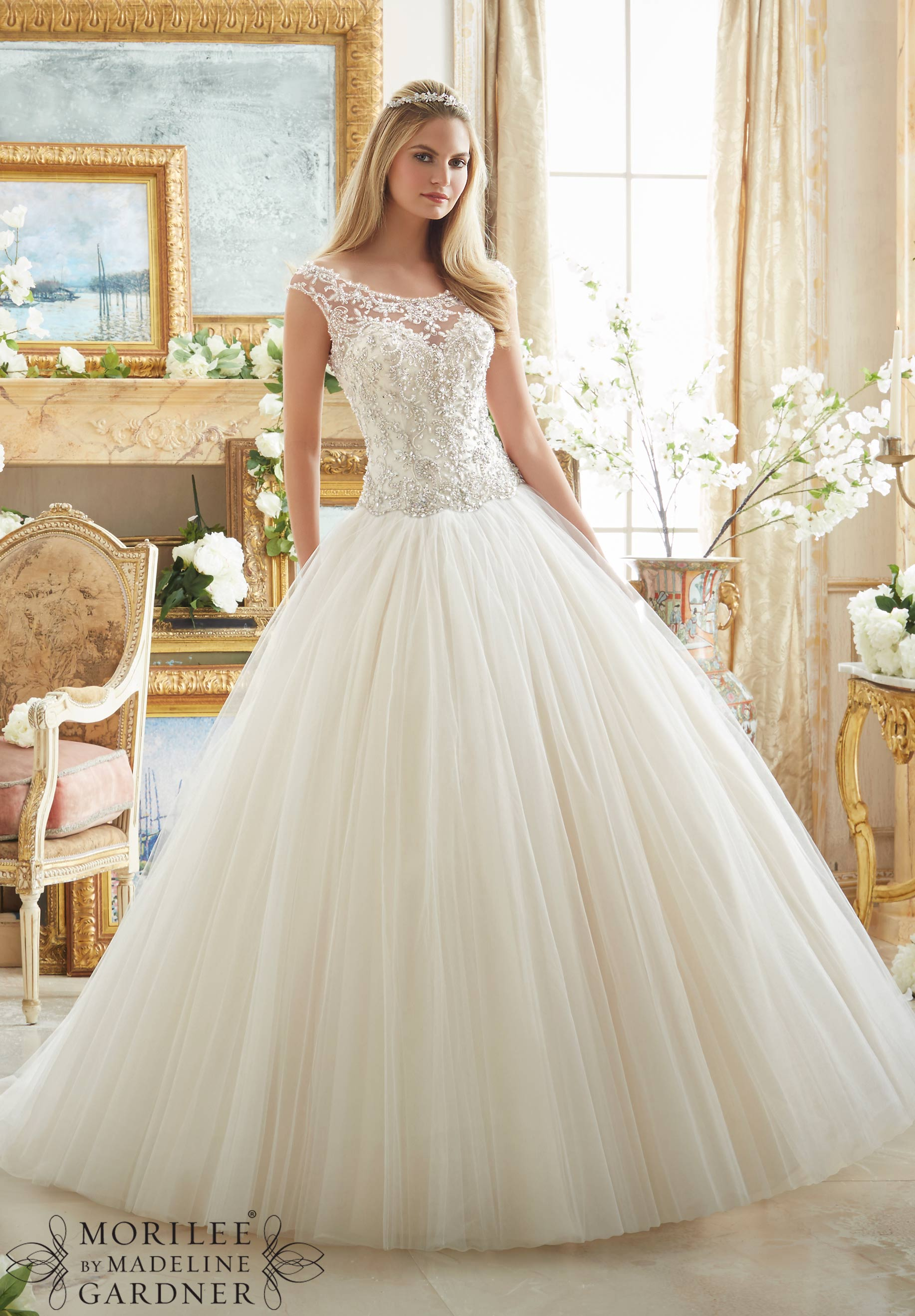 How To Choose The Right Wedding Dress Style For Your Body